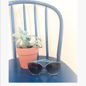 Accessories - Polka dotted sunglasses